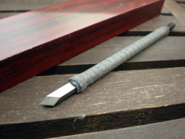 画像1: 特製合金印刀 皮巻斜刀5mm 角柄 (1)