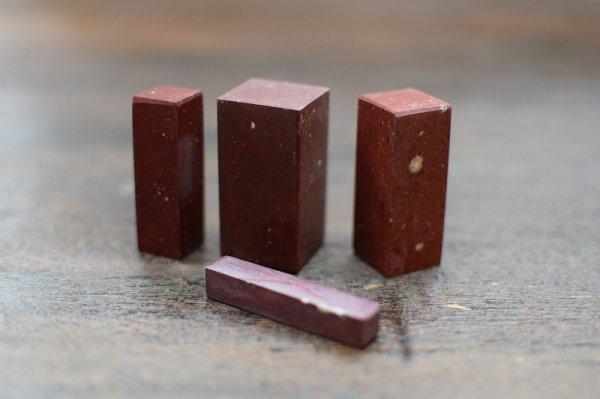 画像1: 肖山紅石2.5×2.5×5cm (1)